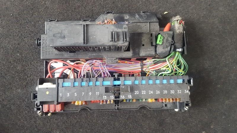 Fuse box  BMW 3-Series 2000    1.8 18500000000