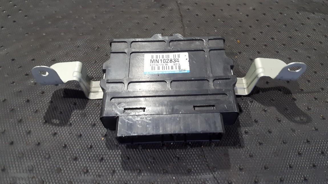 Блок управления АБС MN102834 X2T34173M Mitsubishi PAJERO 2002 2.5