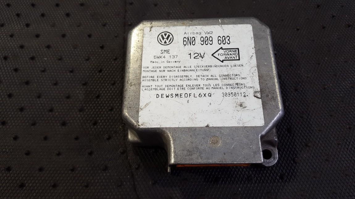 SRS AIRBAG KOMPIUTERIS - ORO PAGALVIU VALDYMO BLOKAS 6N0909603 5WK4137 Volkswagen GOLF 2007 1.9