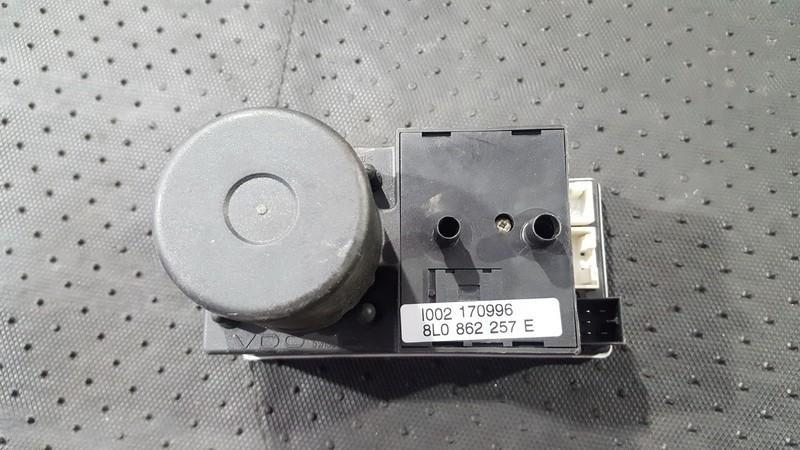 Central Locking Pump Audi A8 1998    2.5 8l0862257e