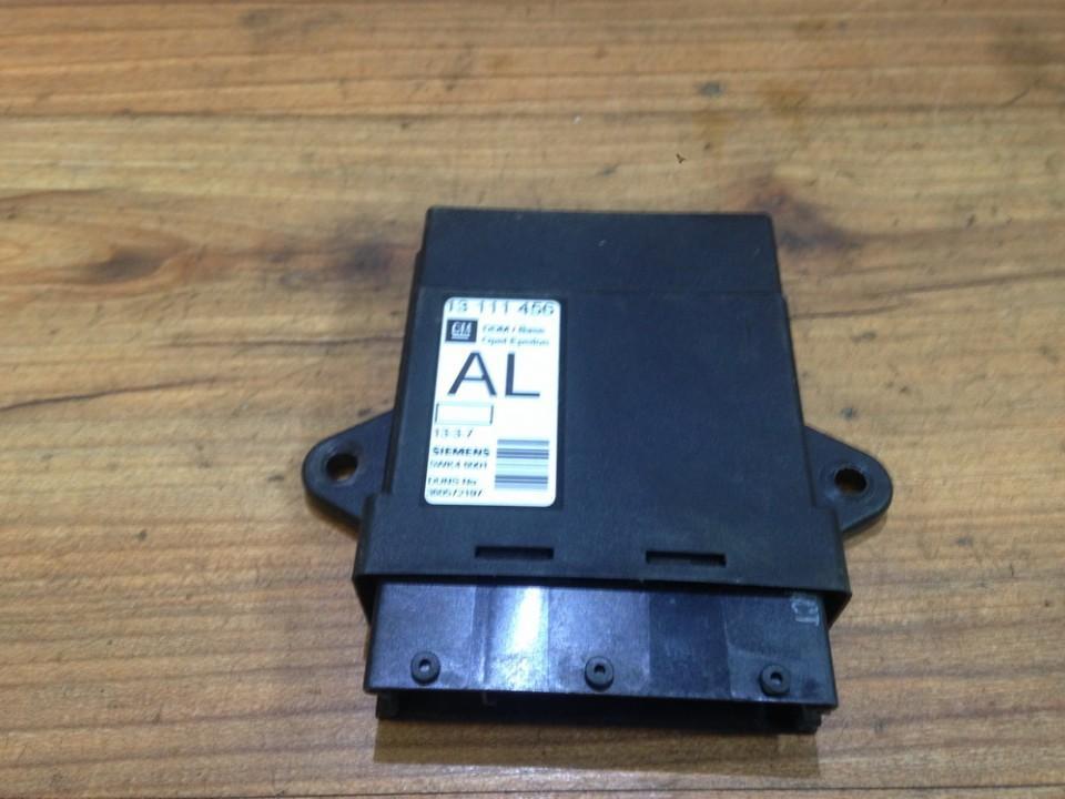 Door control relay Opel Vectra 2004    2.0 13111456