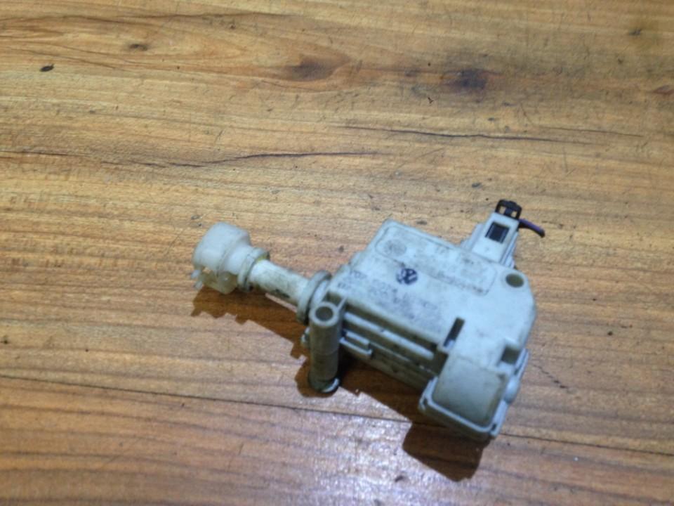Central locking motor Volkswagen  1999    2.0
