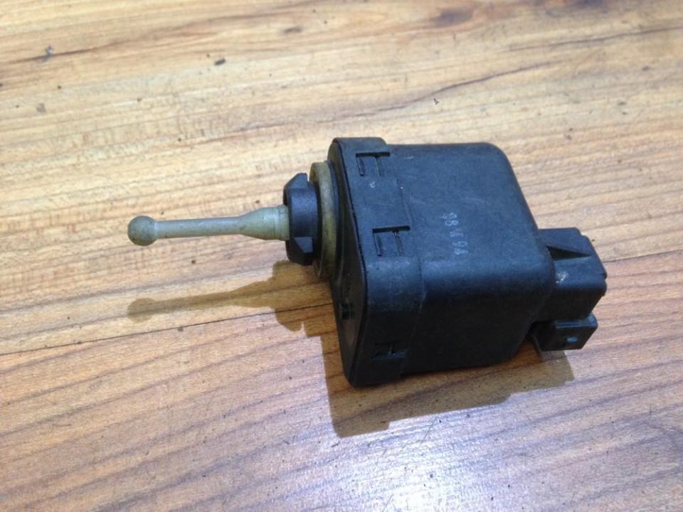 Headlighth Levell  Range Adjustment Motor Volkswagen Golf 1990    2.0