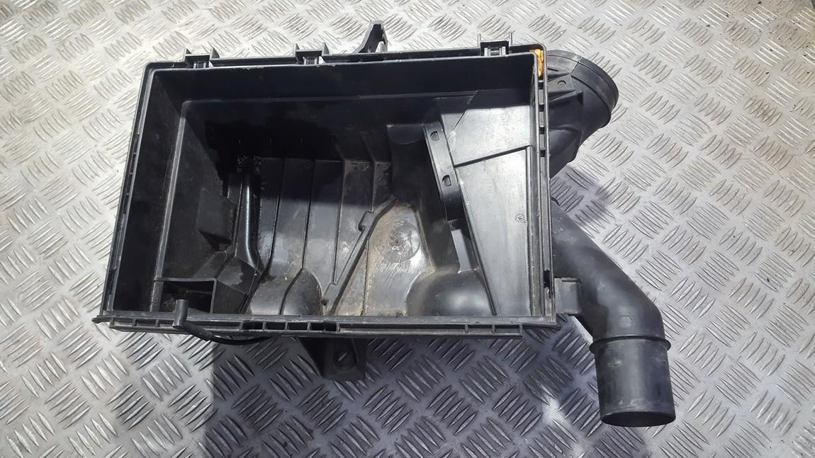 Air filter body Volvo XC 70 2001    2.0 8074833