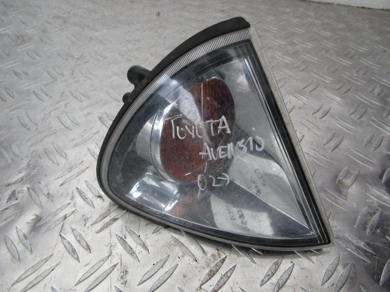 Поворотник правый nenustayta nenustatyta Toyota AVENSIS 2001 2.0