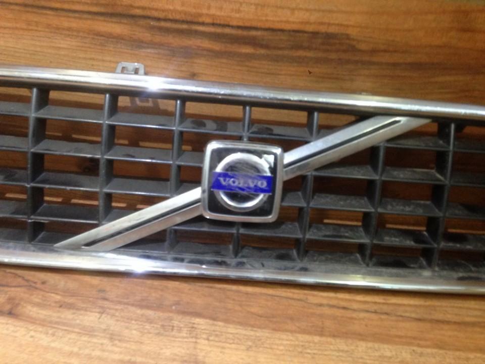 Front Emblem NENUSTATYTA N/A Volvo V50 2005 2.4