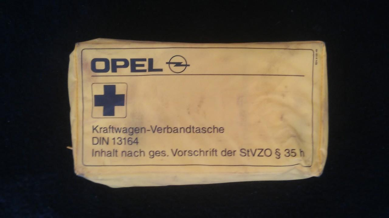 First Aid Kit Opel Vectra 2001    2.0 din13164