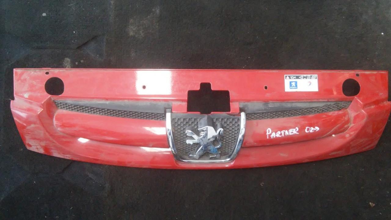 Передняя решетка (Капот) 3268i01 9644758777 Peugeot PARTNER 2005 2.0
