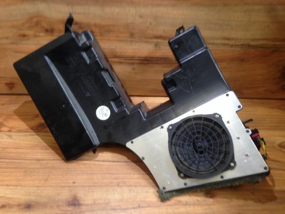 Loudspeaker Audi A4 1999    2.0 8d9035381