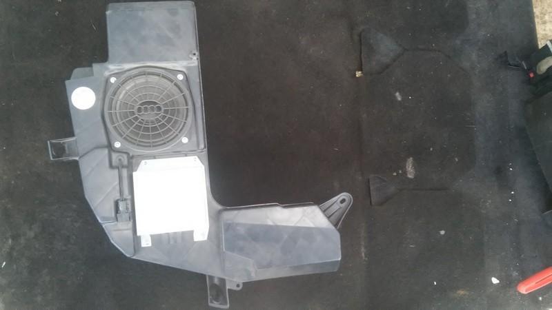 Audio amplifier Audi A4 2001    1.9 8e9035223