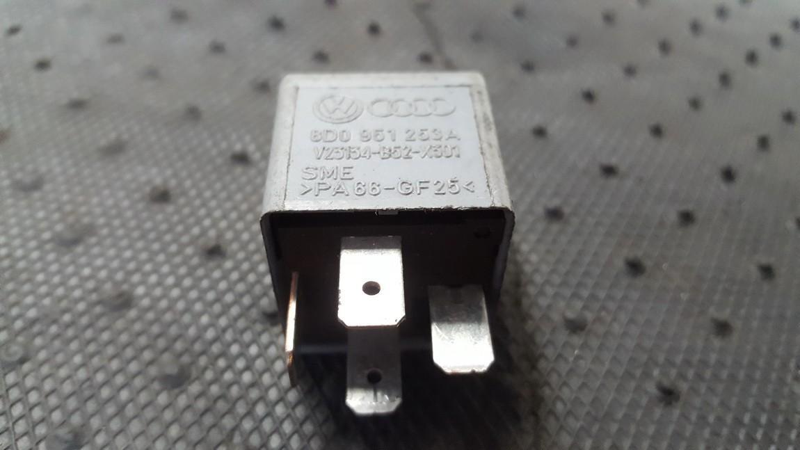 Reles 8D0951253A V23134-B52-X301 Audi A6 1998 2.5