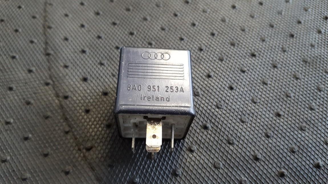 Relay module 8A0951253 899585 Volkswagen PASSAT 1999 1.9