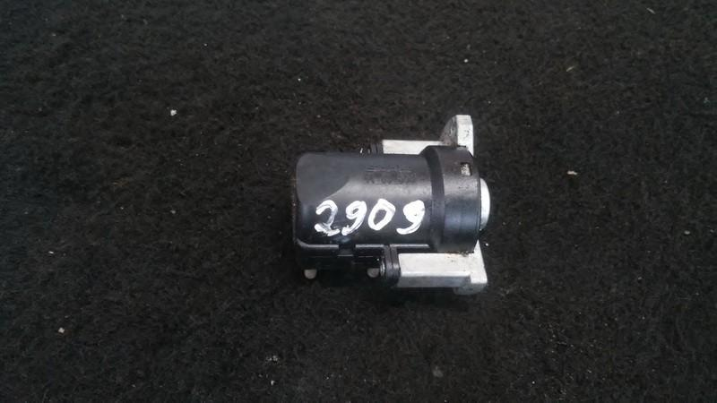 Inertia fuel cut off switch SAAB 900 1995    2.0 4409553