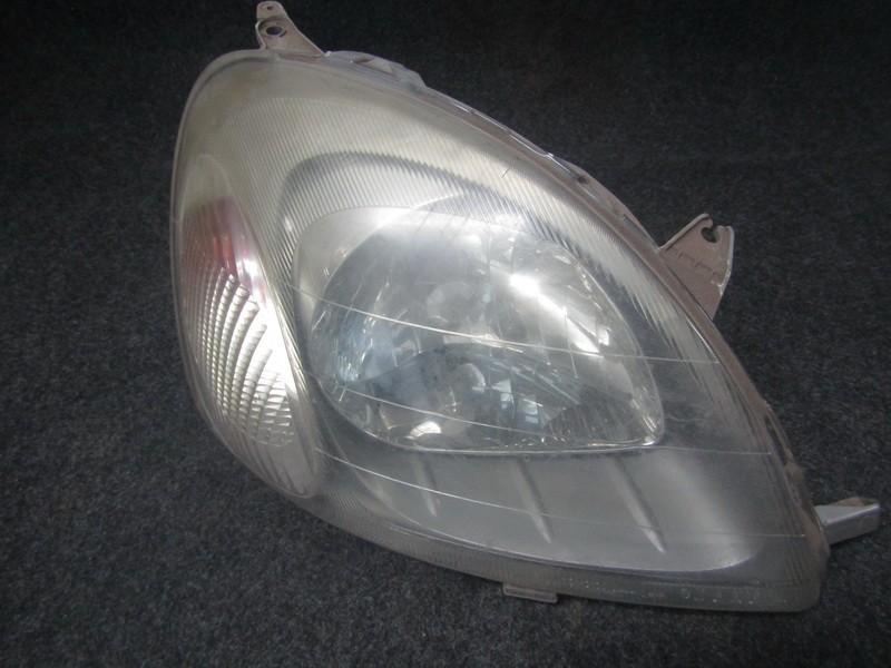 Zibintas P.D. nenustatyta nenustatyta Toyota YARIS 2001 1.0