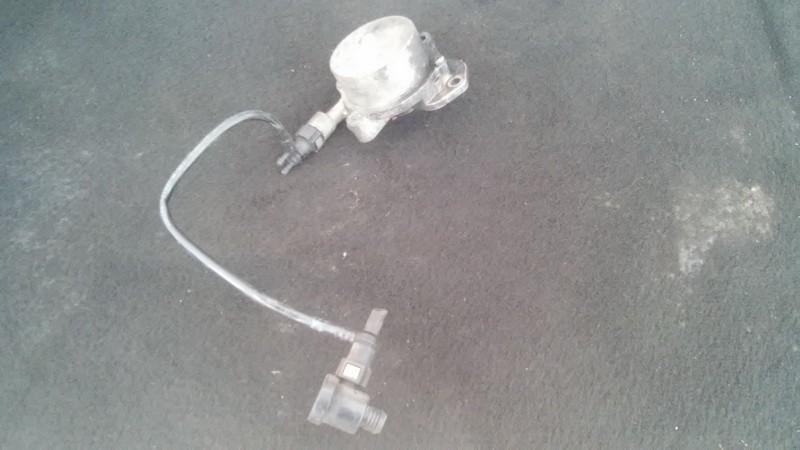Вакуумное устройство системы Peugeot 607 2003    2.2 9631971580