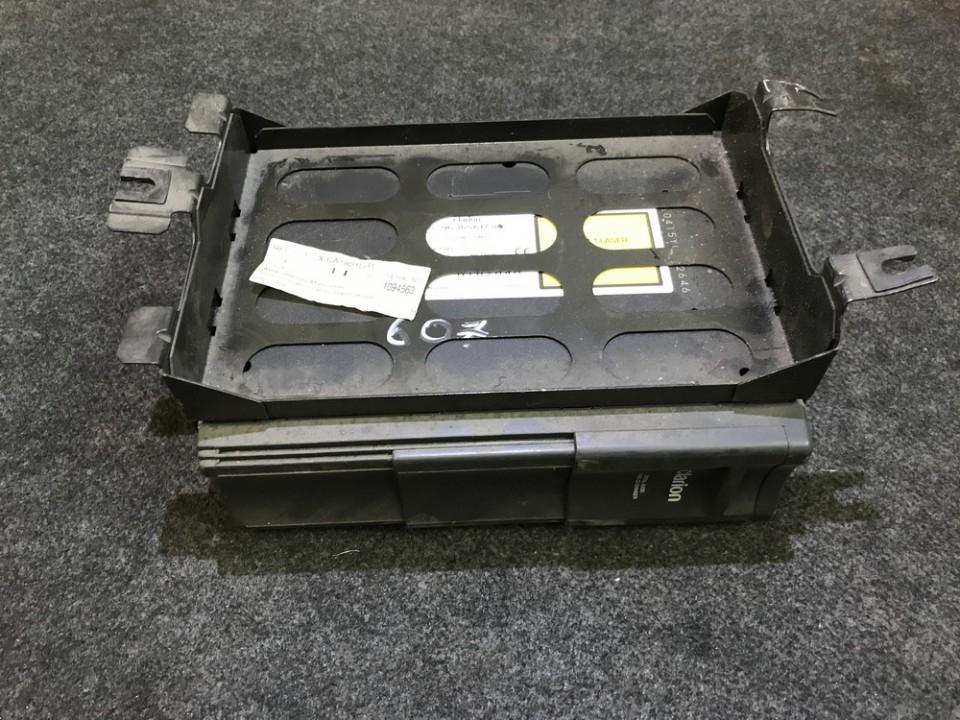 держатель cd-проиг Peugeot 206 1999    2.0 9636561780