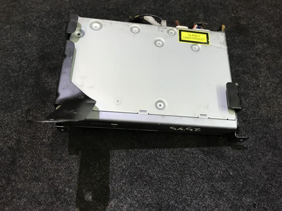 CD changers Toyota Avensis 2004    2.0 0866200870