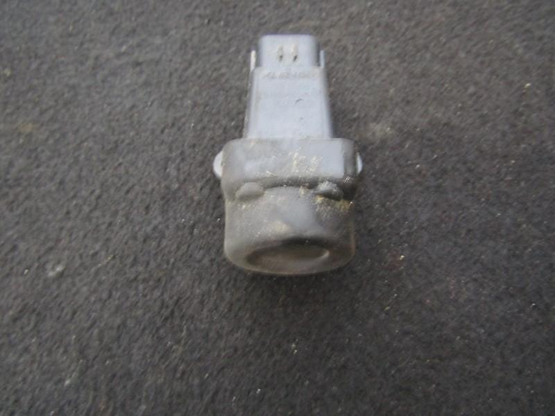 Inertia fuel cut off switch Rover 75 2003    2.0 35910504g010