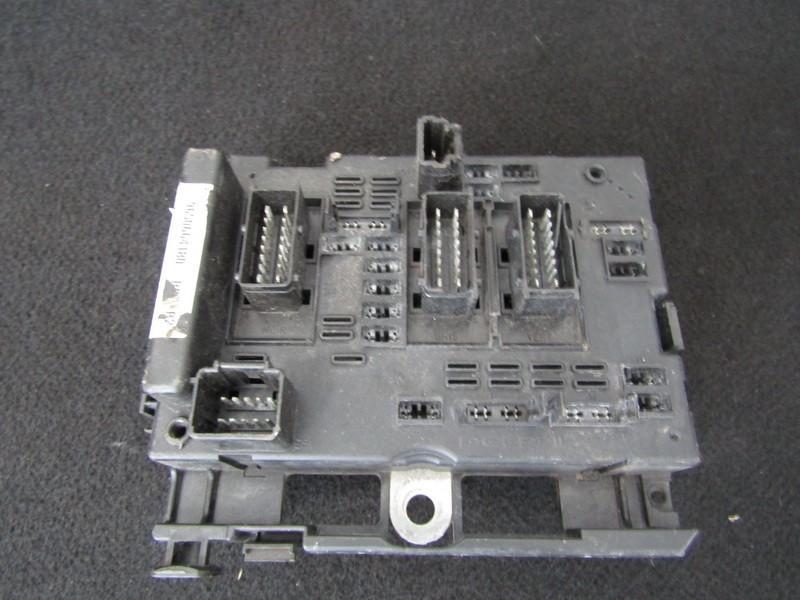Fuse box  Peugeot 307 2001    2.0 9650664180