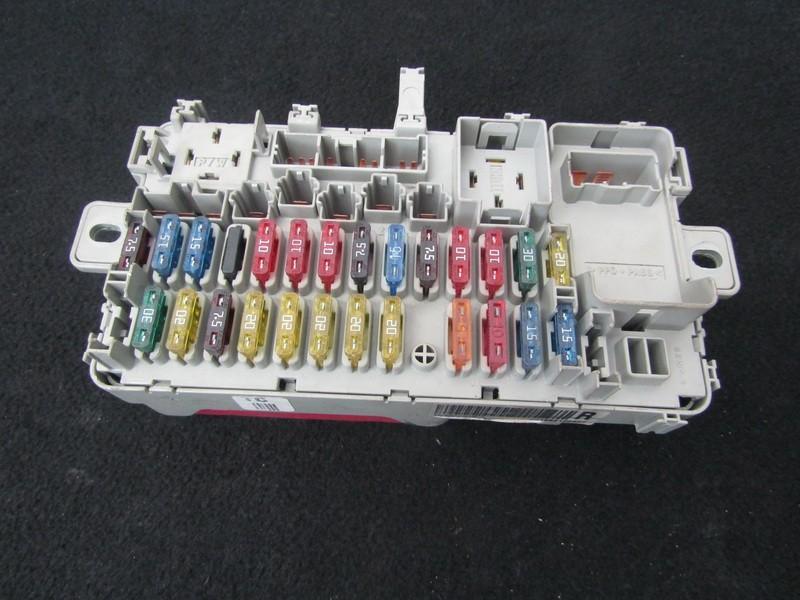 Fuse box  Rover 45 2003    2.0 ywc104500