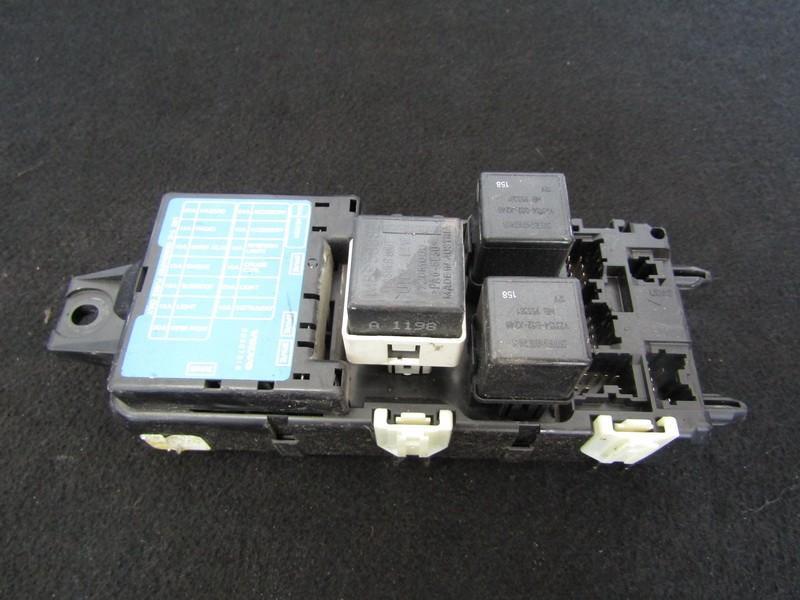 Fuse box  Volvo S40 1998    2.0 30807016
