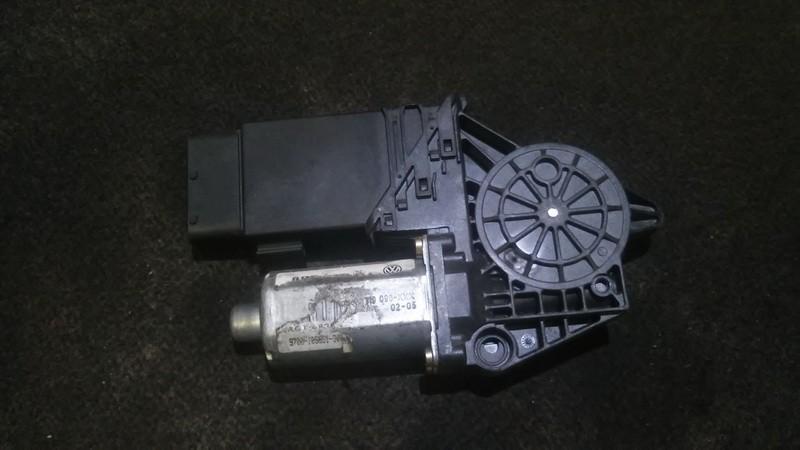 Duru lango pakelejo varikliukas P.D. 0130821694 n/a Volkswagen PASSAT 2002 1.9