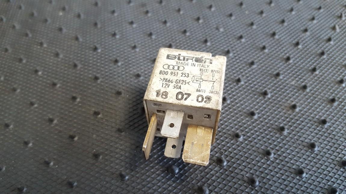 Rele 8D0951253 370 Volkswagen PASSAT 2003 2.0