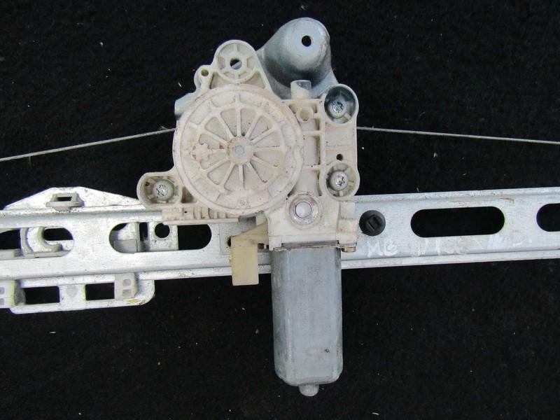 Моторчик стеклоподъемника - передний правый a1688203842 0130822015 Mercedes-Benz A-CLASS 1998 1.4