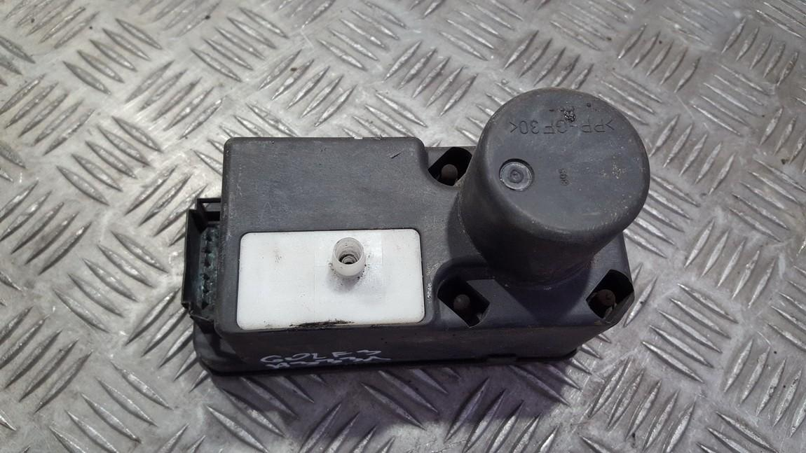 Вакуумное устройство системы Volkswagen Golf 1993    1.9 1H0962257G