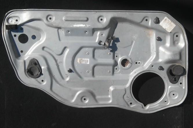 Duru lango pakelejas P.K. lh992669101 n/a Volvo V50 2005 2.4