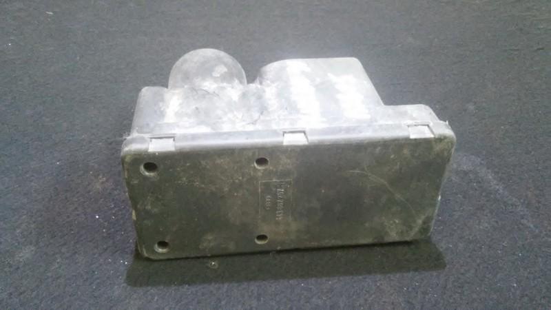 Вакуумное устройство системы Audi 80 1991    1.8 443862257h