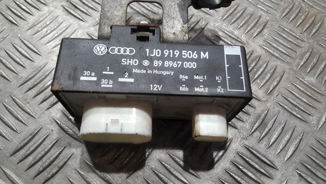 Ventiliatoriaus valdymo rele 1J0919506M 898967000 Volkswagen POLO 2002 1.2