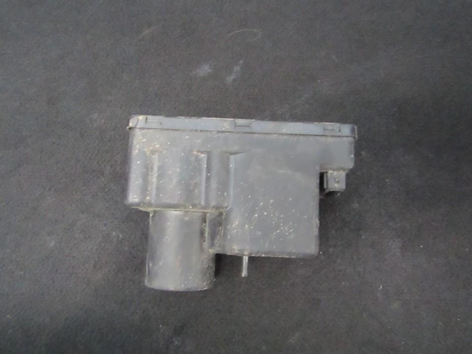 Вакуумное устройство системы Audi 100 1985    1.8 443862257h