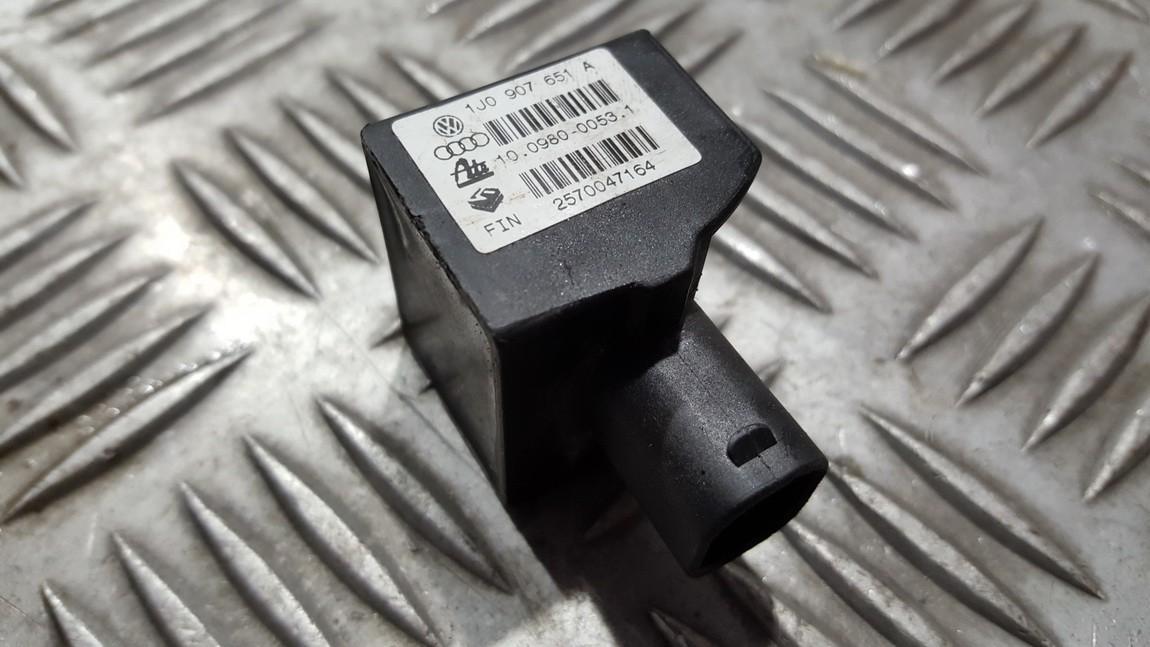 Другие датчики Audi A3 2003    1.9 1J0907651A