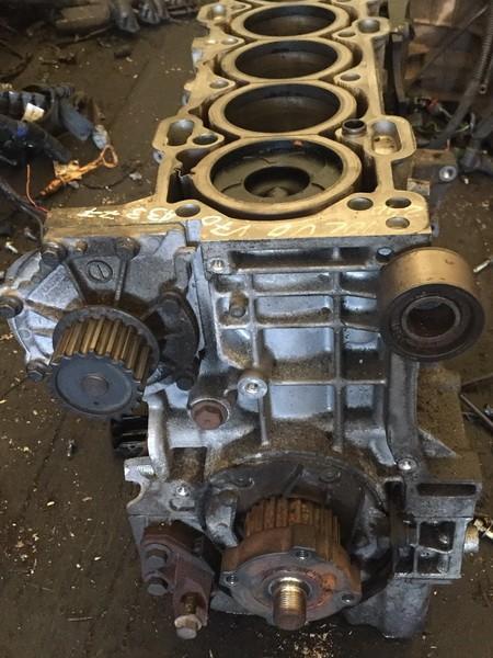 Variklio blokas Volvo V70 2004    2.4 D5244T