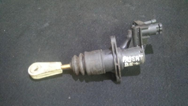 Главный цилиндр сцепления Volkswagen Passat 2001    1.8 006236025000
