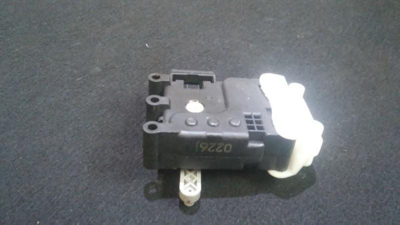 Mazda  6 Peciuko sklendes varikliukas