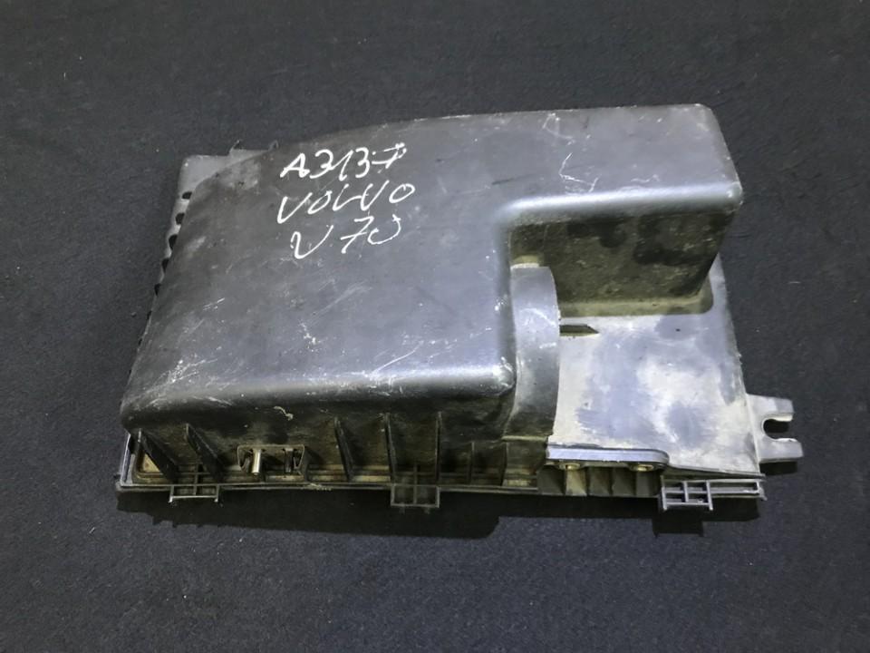 Продам корпус воздушного фильтра Volvo V70 2001    2.4 9179373
