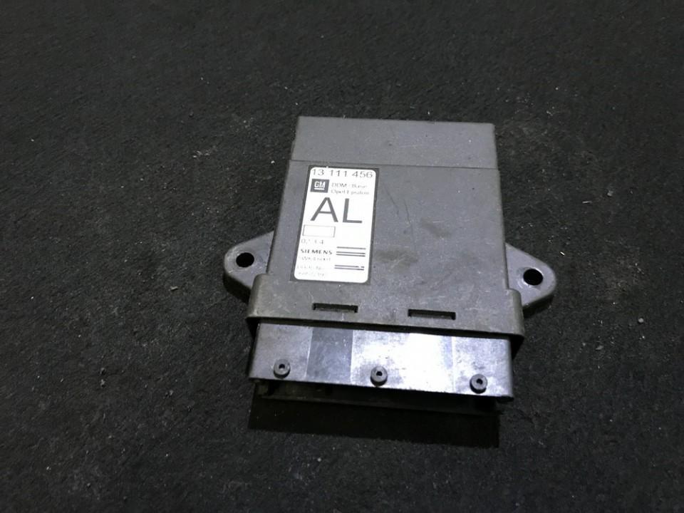 Блок комфорта Opel Vectra 2004    0.0 13111456