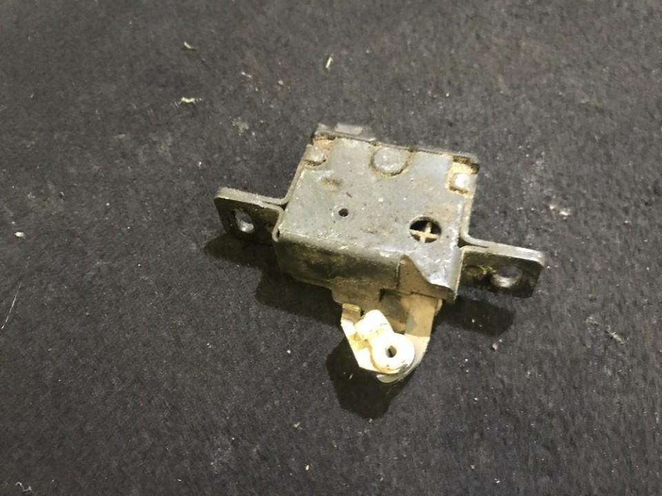 Активатор замка багажника Audi 80 1992    0.0 4a9827505c