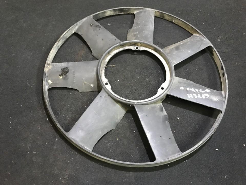 диффузор (вентилятор радиатора) Opel Omega 1994    2.5 2243303
