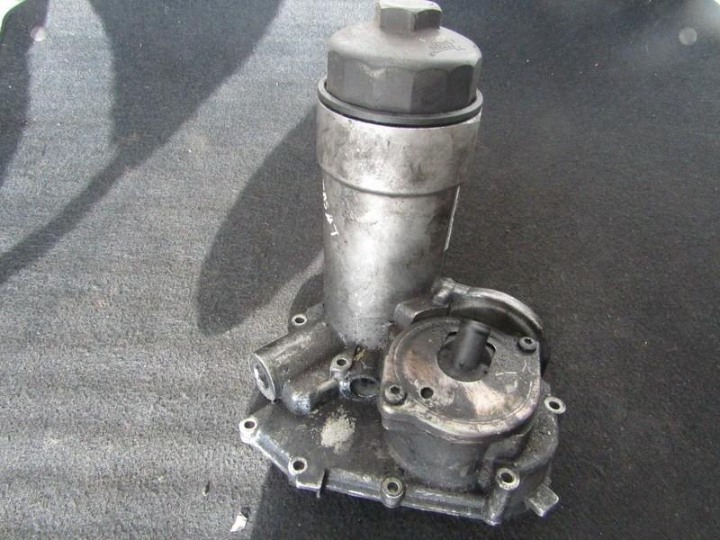 Корпус масляного фильтра Audi A6 2000    2.5 059115405g
