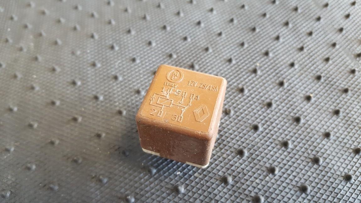 Блок электронный Renault Safrane 1993    3.0 12V25/15A