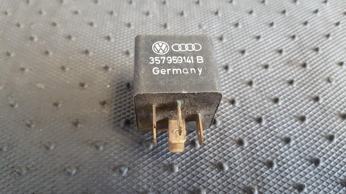 Relay module Volkswagen Passat 1999    0.0 357959141B