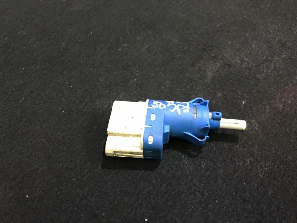 Датчик включения стоп-сигнала Ford Focus 2004    0.0 3m5t9c872ac