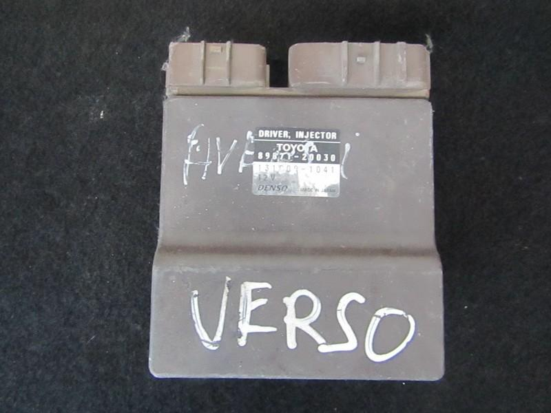 Fuel Injection ECU Toyota Avensis Verso 2004    2.0 8987120030