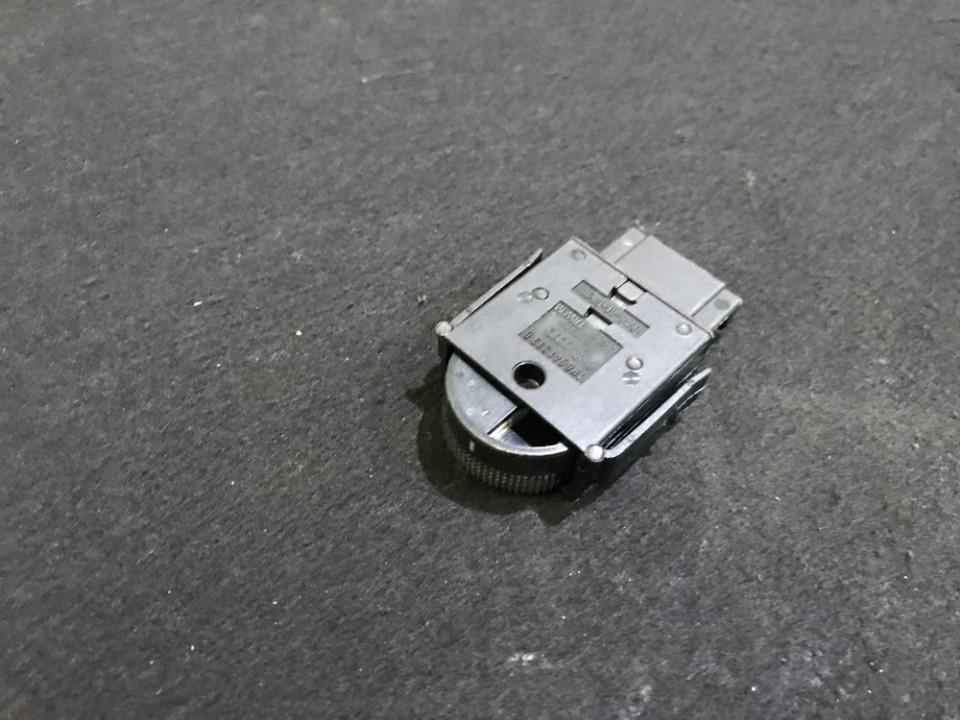 Zibintu aukscio reguliatoriaus mygtukas 1h6941333b 04050701 Volkswagen GOLF 1992 1.4