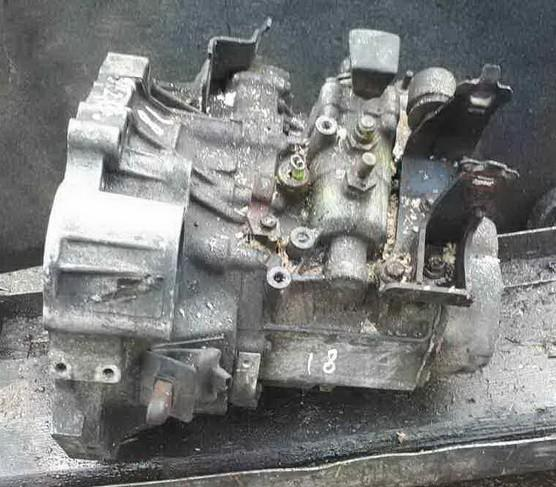 Gearbox Toyota Avensis 2005    2.0