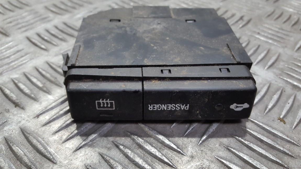 Heated screen switch Toyota Avensis 2004    0.0 8479005110d