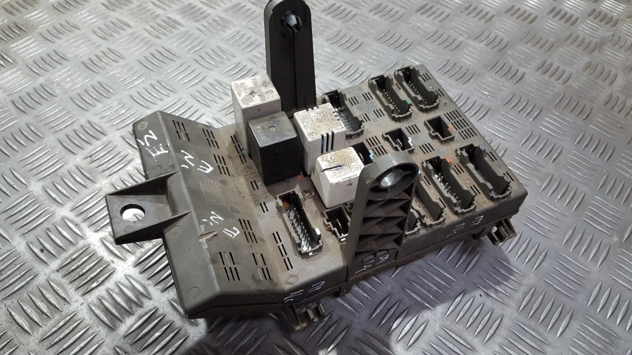 7703197962 Fuse Box Renault Laguna 2001 00l 30eur Eis00281432 On